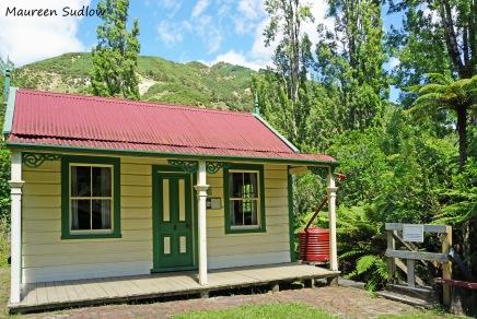 kawana-mill-cottage2