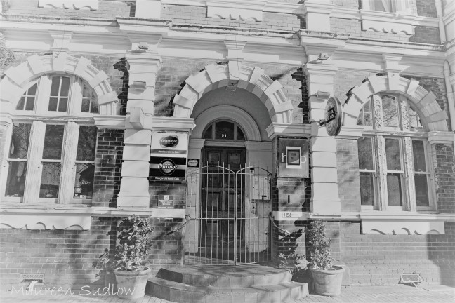 Whanganui buildings in black and white (2)