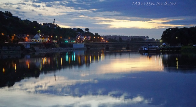 River lights DSC07035